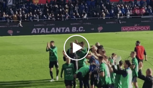Atalanta-Milan 5-0: Giocatori sotto la Curva Nord (Video)